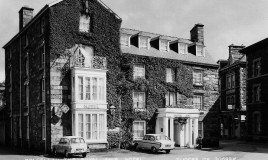 <p>The Golden Lion and The Royal Ship were the two main hotels in Dolgellau where boarders' parents stayed on 'going out weekends.' </p>
