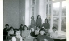 <p>Lower 4B in the classroom.  Pupils in the picture are Kathryn Evans, ? , ? , Judith Hill, Nest Roberts, Catherine Lloyd, Gwyneth ?, Sally Hughes, Anne Sheppard, Nikki Wilson, Erica Hutton. </p>