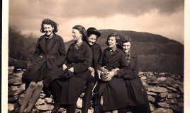 "Third Form group taken at Precipice Walk in 1939. <br> <p>(L-R): Ronnie Rees, Kath Williams,""Mac"" (Mary Carter), Mair Helena Davies, Janine Griffiths. </p>"