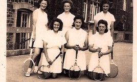 DWS' 1st Tennis VI <br>Back row (L to R): Novello Evans (Riley), Jean Petty (Crowther), Margaret R, Front row (L to R): unknown, Joyce Paskin, Marywyn Norton. </p>