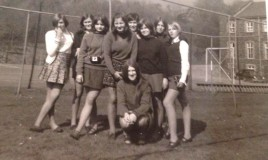 Group of friends on the hockey pitch in the 1970s
