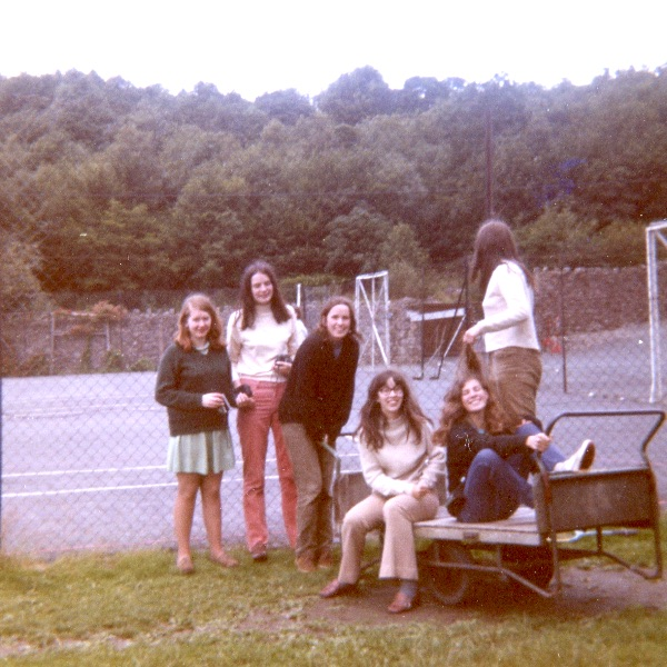 Group of late 60's pupils outside tennis courts