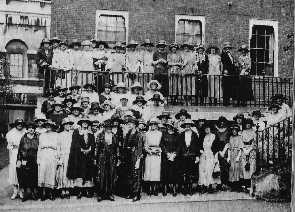 Group at the DWS reunion held at 10 Downing Street in 1921