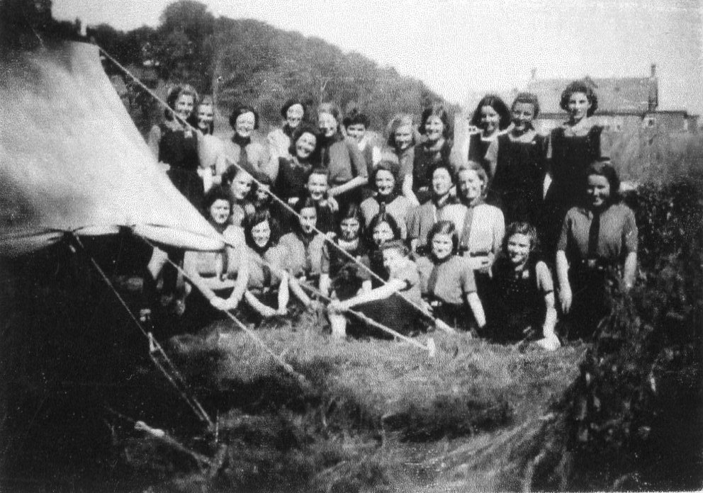 Rangers with Miss Mayo and Miss Payne near Trem 1944