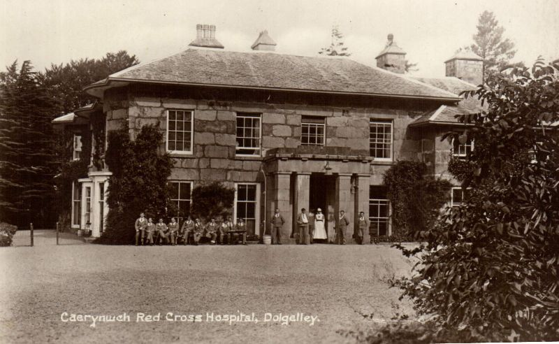 Caerynwch Auxiliary Military Hospital, patients and nurse