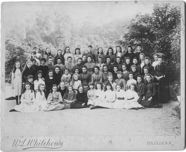 A school group photograph taken between 1878 and 1886