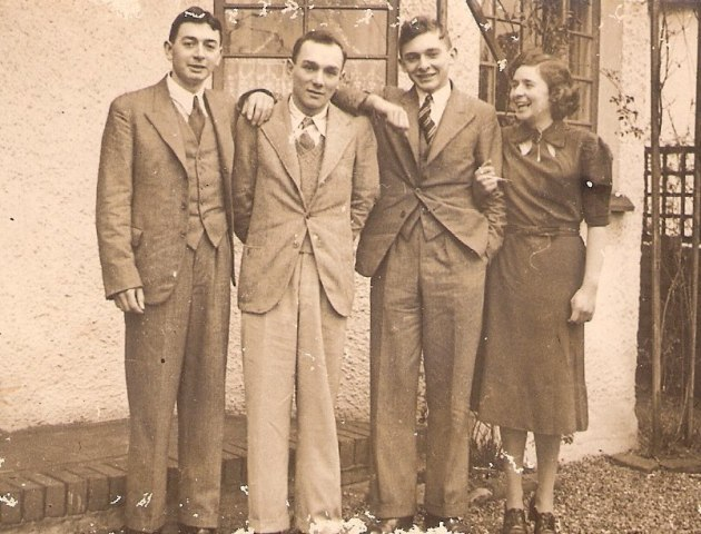 Siblings Tom, Alfred, Lawrence and Gladys Dutton in 1937