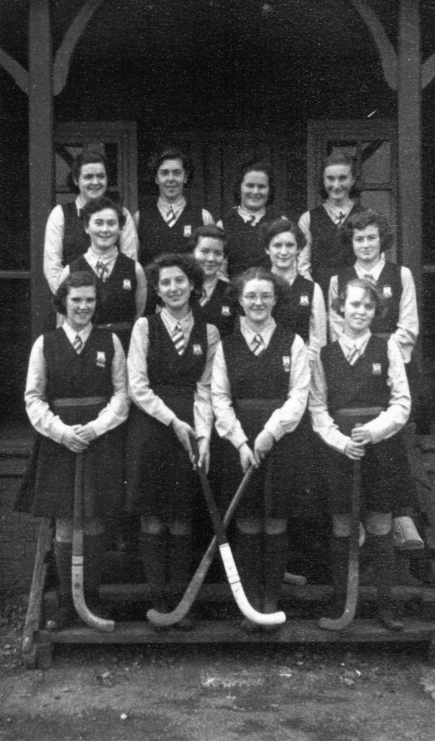 Group photograph of the hockey team, 1951